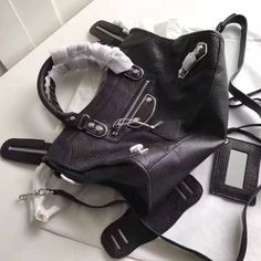 Balenciaga Clasic Silver Metallic Edge Goatskin City Bag 30cm Black Designer Purses, Balenciaga City Bag, Bag Sale, Metallic, Shoulder Bag, Classic, Silver, Bags, Fashion