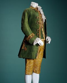Men's suit (Jacket, Waistcoat, Breeches)  First half of 18th Century- Italia