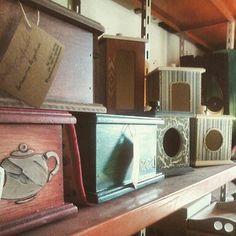 Yerberas, azucareras, cajas de té