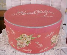 Pink floral hat box. Vintage Hat Boxes, Vintage Pink, Hat Crafts, Salmon Color, Craft Box, Vintage Valentines, Hat Pins, 1940s, Mood Boards