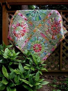 Wagon Wheels Quilt Pattern by Rangolidesigns on Etsy, $9.00