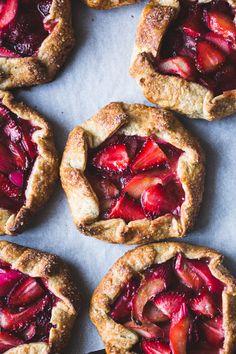 Strawberry Rhubarb Rose Galettes {gluten-free} // The Bojon Gourmet Tart Recipes, Baking Recipes, Sweet Recipes, Dessert Recipes, Rhubarb Galette, Rhubarb Tart, Rhubarb Crumble, Gluten Free Desserts, Just Desserts
