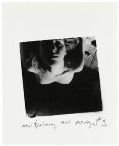 "Francesca Woodman On Being an Angel # 1, Providence, Rhode Island, 1977   fotografa dalle  ""disordinate geometrie interiori"", morì suicida a 23 anni. Stoccolma le rende omaggio con ""On Being An Angel"" (FOTO)"