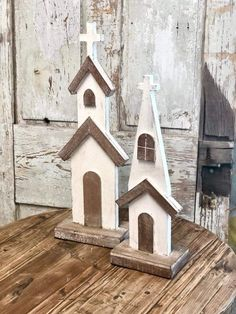 Fall Wood Crafts, Wooden Crafts, Wooden Diy, Decor Crafts, Church Christmas Decorations, Church Crafts, Small Wood Projects, Scrap Wood Projects, Wooden Barn