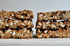 Peanut Butter Pretzel Granola Bars (inspired by my favorite flavor of Clif bar!)