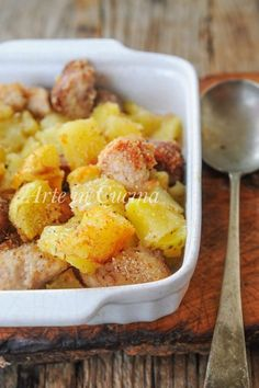 Bocconcini di pollo e patate con salsiccia al forno gratinati vickyart arte in cucina