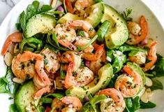 This simple, flavorful shrimp salad makes the perfect meal-prep meal for lunch or dinner thanks to pan-seared citrus shrimp, avocado, and sliced almonds. Shrimp Avocado Salad, Avocado Salad Recipes, Avocado Food, Salad With Shrimp, Shrimp Salads, Avocado Cake, Shrimp Salad Recipes, Shrimp Dishes, Quinoa Salad