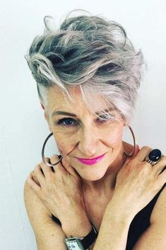 Older women always look for elegant but not boring outdated styles. Which haircut to have and how to style it we show in these 34 photos of classy, short hairstyles for women over 50.