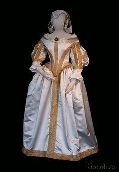 Reconstructed Baroque dress, 1670, Netherlands.  Langenfeld Museum.