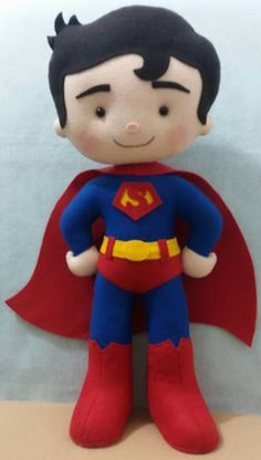 Super Homem de feltro     Artesã Miraselma Miranda  Ateliê Mira Flor Felt Doll Patterns, Stuffed Toys Patterns, Fabric Patterns, Felt Bookmark, Sock Dolls, Rag Dolls, Sewing Toys, Felt Toys, Doll Crafts