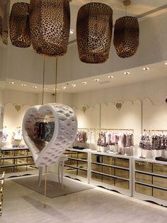 Dubai Mall. Roberto Cavalli Junior