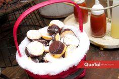 Mesa de dulces   Quetal Virtual #postres #mesadepostres #posada #navidad