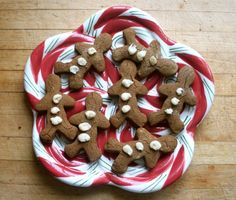 Autoimmune Gingerbread Men by @beyondthebite on @paleoparents #nutfree #eggfree #dairyfree #paleo