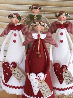 Annie Smith of Country Keepsakes Dolls.(oooooh, i absolutely LOVE these…Country Christmas angels - so cute!Use a cone to make an angel tree topper. Make the cone shorter than the doily so the light can shine through.Hugs and Kisses Christmas Angels Christmas Sewing, Christmas Angels, All Things Christmas, Christmas Holidays, Christmas Decorations, Crochet Christmas, Country Christmas, Handmade Christmas, Angel Crafts