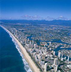 Photos of the beautiful Gold Coast & Surfers Paradise in Queensland, Australia. Coast Australia, Australia Travel, South Pacific, Pacific Ocean, Gold Coast, East Coast, Night Life, Dolores Park, Beautiful Places