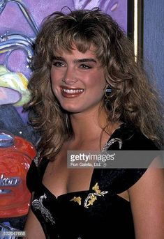Brooke Shields 1989 Pictures and Photos - Getty Images Young Fashion, Women's Fashion, Brooke Burns, Brooke Shields Young, George Burns, Bob Hope, Perfect Eyebrows, Romantic Movies, Cannes Film Festival