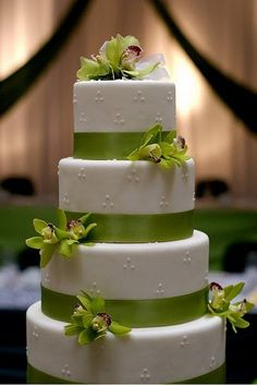 Wedding Cakes Pictures: Round Orchid Wedding Cakes    simple but elegant with my favorite flowers!