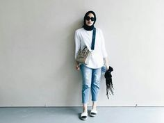 Modern Hijab Fashion, Street Hijab Fashion, Hijab Fashion Inspiration, Muslim Fashion, Islamic Fashion, Hijab Jeans, Ootd Hijab, Hijab Chic, Casual Hijab Outfit