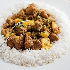 Cape Malay lamb curry by the legendary Cass Abrahams. It's made with lamb and a host of Malay spices and served with Jasmine rice or rotis. (I bet goat would also be fabulous in this. Lamb Dishes, Curry Dishes, Lamb Recipes, Cooking Recipes, Healthy Recipes, Mince Recipes, Fish Recipes, Chicken Recipes, South African Recipes