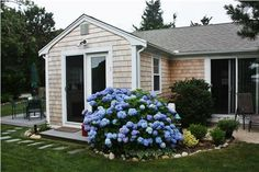 A quaint Yarmouth cottage vacation rental home.