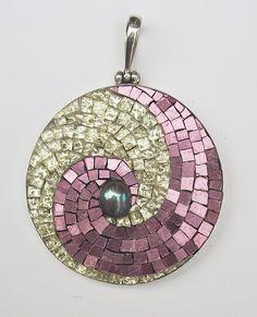 Swirl Pendant, Margo Anton, 2012, 45mm diameter, Mosaic gold, freshwater pearl set in sterling silver Photographer: Margo Anton