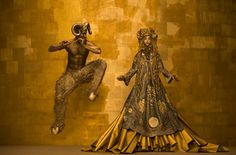 Real-Life Women In Gold Recreate Klimt's Most Famous Paintings