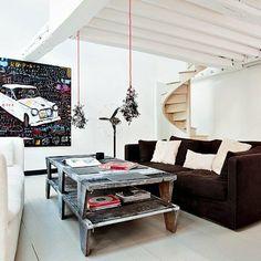 Un salon entre style familial et industriel