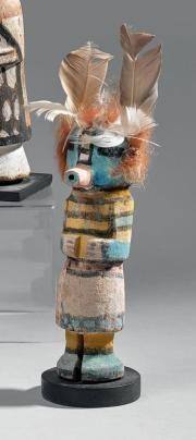 KACHINA Wilson Tawakaptewa (1871-1960) Cottonwood, pigments, plume Hopi, Arizona, U S A Vers 1930 Ht: 22,5cm