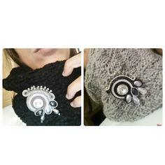 Colli in lana con applicazione spilla soutache