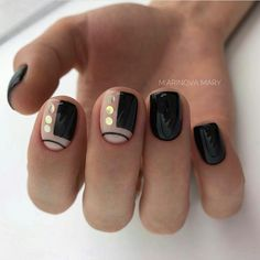 nail art designs with a creative manicure 2019 Elegant Nails, Classy Nails, Simple Nails, Minimalist Nails, Minimalist Design, Hot Nails, Hair And Nails, Diy Sharpie, Nagel Bling