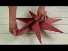 How to fold a 5 pointed origami star with step by step photos. An easy way to make beautiful Christmas star decorations. Christmas Star Decorations, Christmas Paper, Christmas Design, Christmas Crafts, Christmas Ornaments, 3d Paper Star, Paper Stars, 3d Origami Stern, Diy Paper