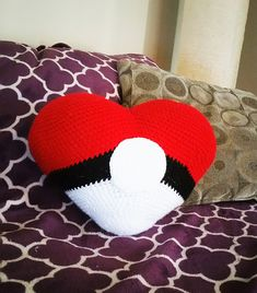 Amigurumi Heart Pillow : 1000+ images about Amigurumi on Pinterest Free amigurumi ...