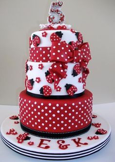 Ladybug cake                                                                                                                                                                                 More