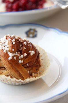 Cinnamon bun / Kanelbulle at Grand Hotel Stockholm in Sweden  STELLAR STORIES BLOG