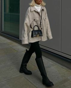 Winter Fashion Outfits, Fall Winter Outfits, Autumn Winter Fashion, Fashion Bags, Looks Street Style, Looks Style, Beige Outfit, Look Girl, Winter Fits