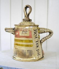 playful tea pot by Karen Shapley Pottery Teapots, Ceramic Teapots, Ceramic Pottery, Ceramic Art, Teapots And Cups, Tea Art, Chocolate Pots, Coffee Set, My Tea