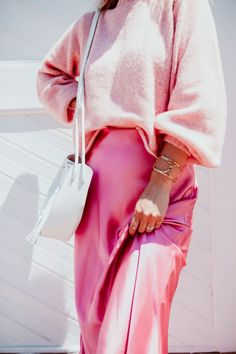 Miss Mary Powers - A little bit of life and a lot of style Pink Sweatshirt With Plaid Mini Skirt is the best How To Wear Fashion Girl Mode Chic, Mode Style, Pinterest Trends, Looks Style, Style Me, Mode Inspiration, Fashion Outfits, Womens Fashion, Casual Dresses For Women