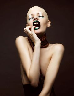 "#avantgarde #editorial for ""JUTE Magazine"" by Flawless MakeUp & Lisa Justine http://www.flawlessmakeup.de & http://lisajustine.de #bald #head #baldhead #braid"