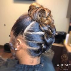 Love this soft updo style by 💛✨ Something different😍 Would you rock it? Trending Hairstyles, Girl Hairstyles, Braided Hairstyles, Black Hairstyles, Dreadlock Hairstyles, Braided Updo, Natural Hair Updo, Soft Updo, Natural Hair Styles
