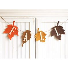 Fall leaves banner bunting ~ felt, burlap from my Etsy shop… Thanksgiving Banner, Fall Banner, Diy Banner, Thanksgiving Decorations, Fall Bunting, Banner Ideas, Bunting Banner, Fall Decorations, Fall Harvest Party