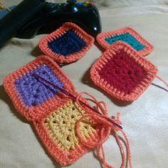 #antofagasta #crochet #crocheting #grannys #ganchillo #solidgrannysquare #instacrochet #handmade #yarn #colors #relax #cozy #crochetaddict #crochetersofinstagram #crocheter #lovecrochet by anlesi