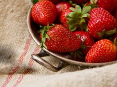 Erdbeer - Strawberry Strawberry, Fruit, Food, Wallpaper Backgrounds, Food And Drinks, Essen, Strawberry Fruit, Meals, Strawberries