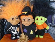 Halloween Troll Dolls from the Best Halloween Candy, Retro Halloween, First Halloween, Halloween Party, Halloween Costumes, Witch Costumes, Halloween Halloween, Halloween Makeup, 90s Childhood
