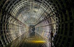 放棄されたキエフの地下トンネル、ウクライナ