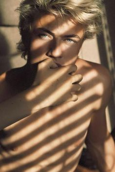 Discovered by Vit. Find images and videos about boy, model and lucky blue smith on We Heart It - the app to get lost in what you love. Lucky Blue Smith, Beautiful Boys, Pretty Boys, Beautiful People, Nice Boys, Look Man, Cute Guys, Pretty People, Male Models