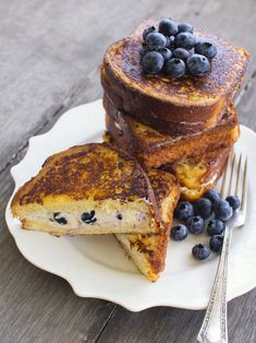 phoods:  (via spicy icecream: Blueberry Cheesecake Stuffed French Toast)