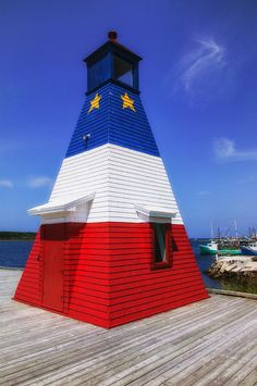 ✯ Red White And Blue Lighthouse - Canada