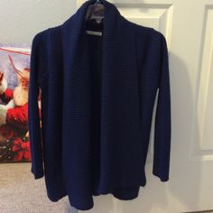 ZARA Cardigan Preowned, worn about 5 times! In great condition! No holes. Size S (fits true to size) Zara Jackets & Coats Blazers