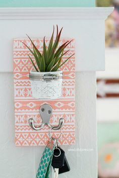 Decor Hacks :     DIY Stenciled Succulent Potted Mason Jar Key Holder |via LollyJane.com    -Read More –