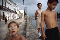 Alex Webb CUBA. Matanzas. 2007. #cubaphotography People Photography, Color Photography, Life Photography, Children Photography, Amazing Photography, Photography Names, Magnum Opus, Alex Webb, Wow Art